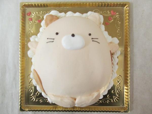 通販ケーキで、すみっこぐらしのネコを立体形ケーキで